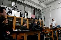 O studium strojírenských oborů má v dnešní době zájem minimum uchazečů. Absolventi těchto oborů mají přitom jisté uplatnění.