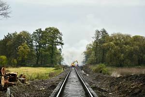 Oprava trati mezi Zadní Třebaní a Lochovicemi.