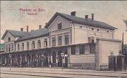 Nádraží ve Zdicích bývalo kdysi důležitým spojníkem, odkud vyrážely vlaky do Příbrami i dál ve směru na Plzeň.