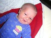 Krásná okatá holčička se narodila 15. ledna 2014 manželům Elišce a Milošovi Blahovcovým z Hýskova. Jmenuje se Laura a její porodní míry byly 3,64 kg a 48 cm. Laurinku bude dětským světem provázet bratříček Šimonek (1,5).