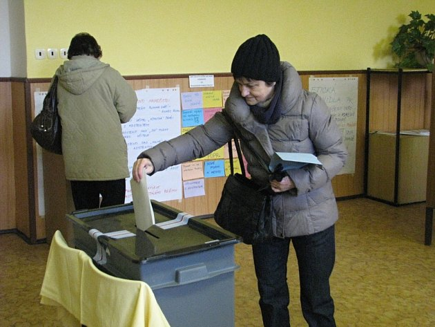 První přímé prezidentské volby začaly.