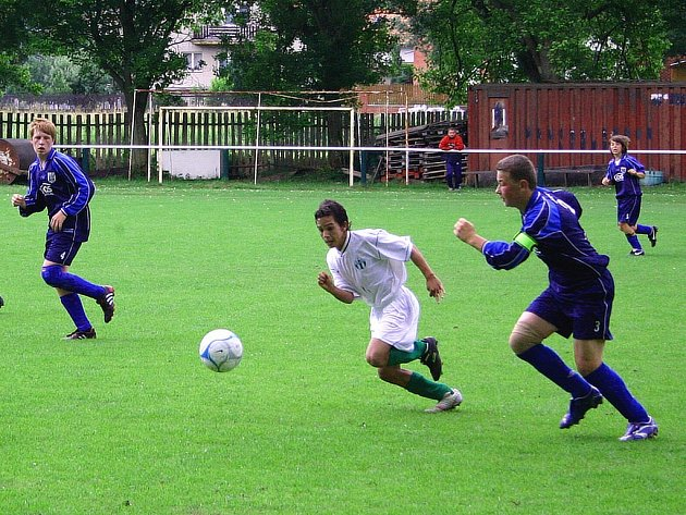 Starší žáci Zdic dokázali vyhrát i zápas na půdě soupeře a stali se tak okresními přeborníky.