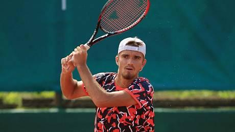 Tomáš Macháč je v Kazachstánu ve čtvrtfinále.