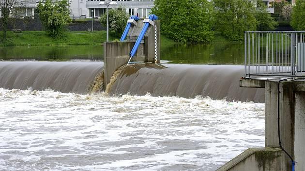 Hladina řeky dosahovala téměř 260cm, tedy asi o jeden metr víc než obvykle.