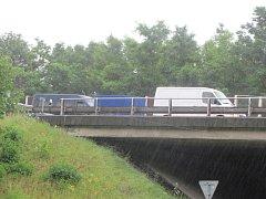 Kolony aut na dálnici D5.
