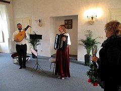 Obec Nižbor nejen pro své občany jedinečný kulturní zážitek v podobě pásma Hudba v myšlenkách Masarykových.