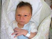 PĚKNOU váhou 4,20 kg a mírou 51 cm se mohl po narození 9. srpna 2017 pochlubit Vojtěch Šmied z Komárova, kterého přivedli rodiče na svět společně. Vojtíškova maminka slavila 11. srpna narozeniny a prvorozený syn je pro ni nejkrásnějším dárkem.