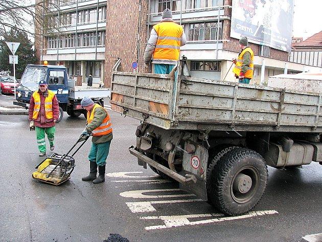 Opravy silnic v Berouně