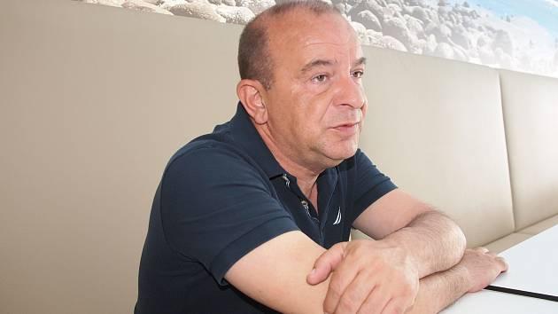 Majitel berounské a hořovické nemocnice Sotirios Zavalianis.