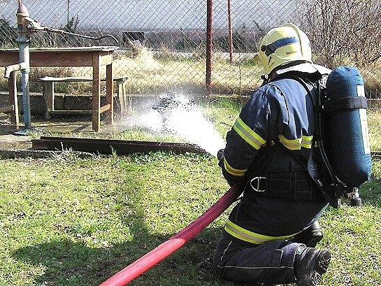 Část majetku hasiči zachránili