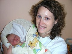 Velkou radost mají Zuzana a Tomáš Chládkovi z Králova Dvora, kterým se 24. září narodilo první dítko, dcerka Matylda s váhou 3,50 kg a mírou 51 cm. Maminky bratranec Honza slavil v ten den narozeniny a Matylda byla krásným dárkem.