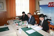 Po těžkém jednání podepsali Hořovičtí důležitou smlouvu