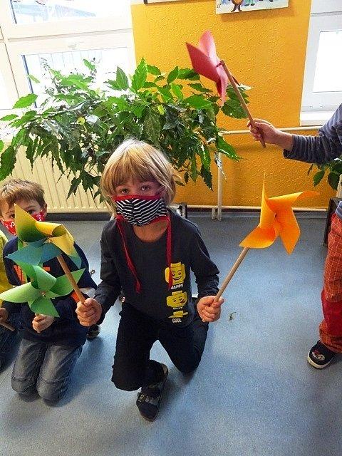Větrníkový den ve školní družině.