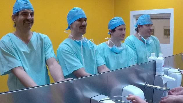 Zdravotníci hořovické nemocnice se podruhé zapojili do akce MOVEMBER