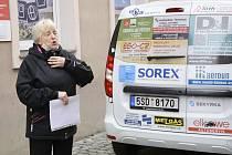 Z předání vozu Dacia Dokker berounské pobočce sociálních služeb Včelka.