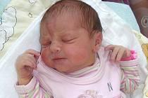 Karolínka se poprvé rozkřičela do světa v pondělí 16. srpna. Po příchodu na svět vážila 3,08 kg a měřila 51 cm. Šťastní rodiče Lucie a Miroslav Kolomazníkovi si dcerku odvezou domů do Broum, kde už se na sestřičku těší sourozenci Kačenka a Honzík.