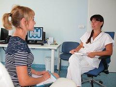 V HOŘOVICKÉ nemocnici je zprovozněná ambulance klinického psychologa, která se zabývá diagnózou a léčbou různých psychických onemocnění.