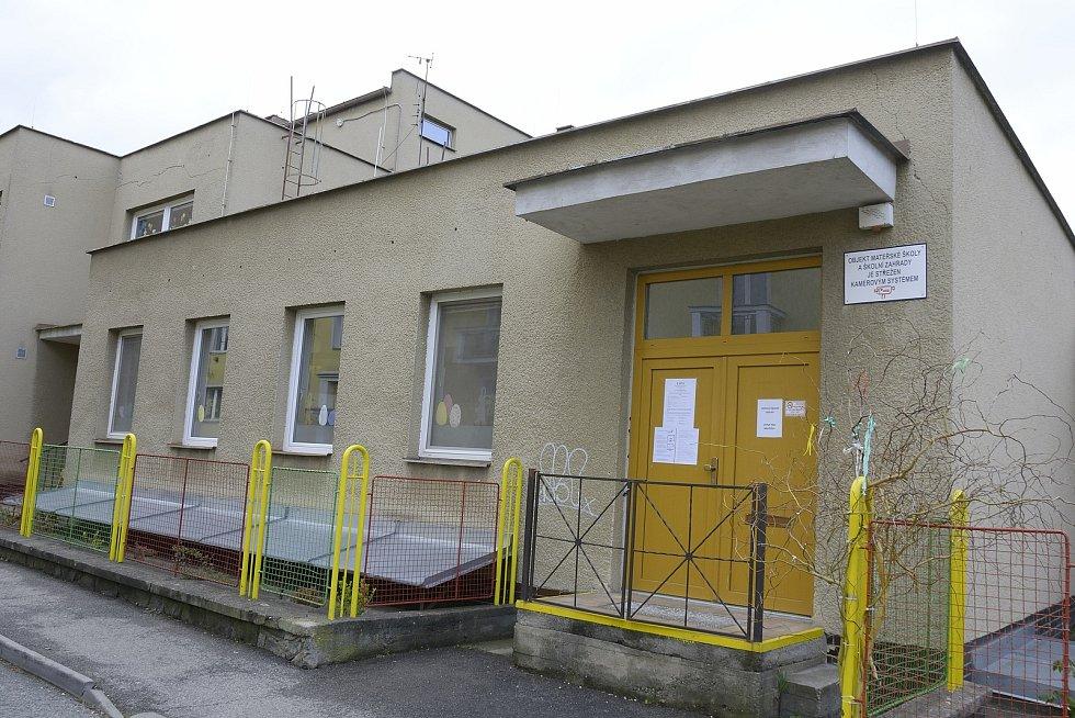 Anonym vyhrožoval útokem na jednu ze školek v zemi. Náhodě tedy nic nenechala ani Mateřská škola Sluníčko v Berouně.