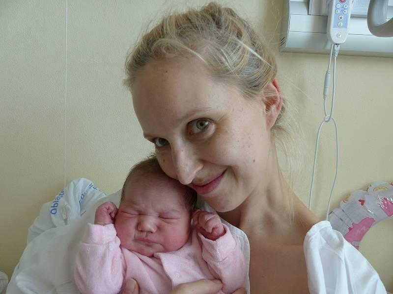 Lída Jiroutová se narodila 10. června 2021 v kolínské porodnici, vážila 3775 g a měřila 51 cm. Do Církvice odjela s maminkou Agátou a tatínkem Jiřím.