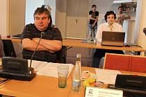 Křeslo Kristýny Zelienkové na veřejném zasedání 6. dubna zůstalo prázdné.