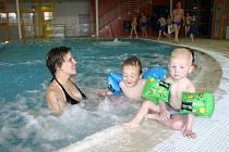 Berounský plavecký areál Tipsport laguna je otevřen od minulého týdne. Za tu dobu ho navštívily stovky malých i velkých návštěvníků.