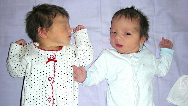 DVOJNÁSOBNOU radost mají rodiče Tereza Knopová a Jiří Hruška ze Skuhrova, kterým se 12. června 2016 narodila krásná dvojčátka, Elena a Josef. Elenčina porodní váha byla 2,45 kg a Josífek vážil 2,80 kg.