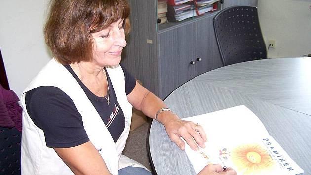 Jana Strnadová vydala zpěvník pro děti