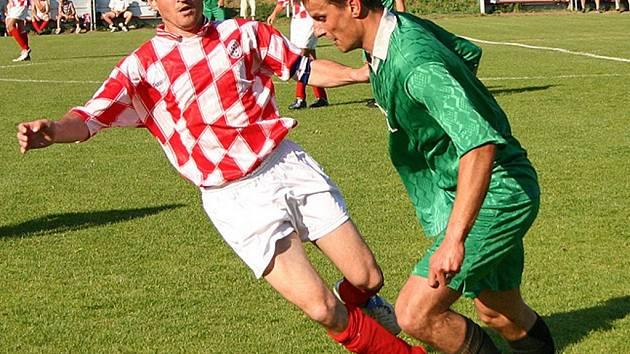 Fotbalisté Českého Lva Beroun vyhráli nad Mutějovicemi 3:1, zápas to pro ně ale rozhodně nebyl lehký.