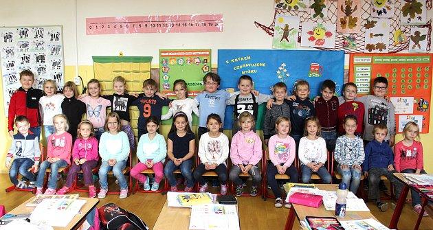Žáci první třídy ze ZŠ a MŠ Broumy pod vedením učitelky Jany Malcové.