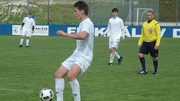 Starší dorostenci Hořovicka zvítězili v Králově Dvoře v utkání krajského přeboru 5:1.