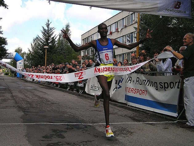 Jonathan Koilegei z Keni vyhrál v Žebráku již dvakrát