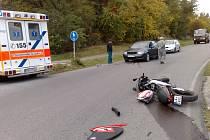 Nehoda šestnáctiletého motorkáře