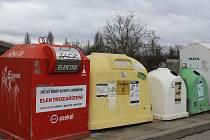Kontejnery na tříděny odpad. Ilustrační foto