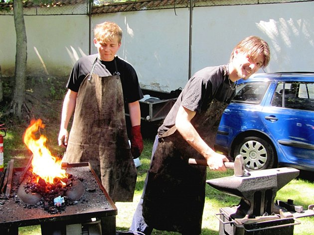 Kováři předvedli své řemeslo v Litni
