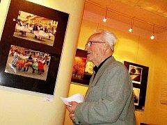 V galerii Holandského domu v Berouně nyní vystavuje jedenáct členů Fotoklubu Beroun.