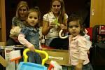 Berounský deník a jeho čtenáři nadělovali dětem v azylovém domě
