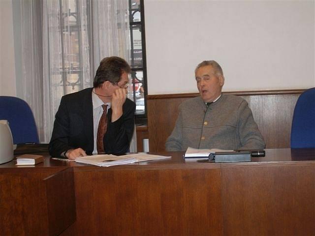 Krajský soud Praha: Šedivý a obhájce