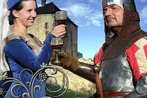 Vinobraní na hradě Točník.