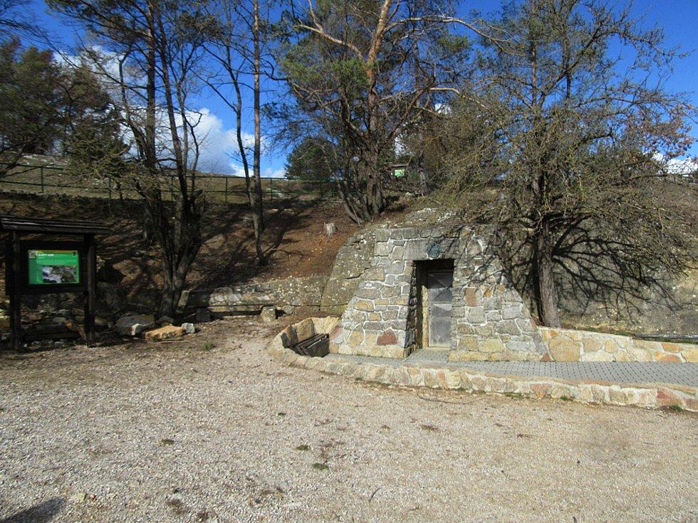 Koněpruské jeskyně a okolí. Ilustrační foto.