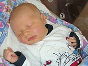 TŘETÍ syn se narodil 14. července 2017 Kateřině a Václavovi Vokurkovým z Řevnic a dostal jméno Vojtíšek. Chlapeček vážil po porodu pěkných 4,16 kg a měřil 52 cm. Vojtíška budou dětským světem provázet bráškové Toník (4) a Vítek (2).