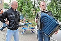 Na setkání heligonkářů do Hořovic tradičně přijíždějí hráči ze všech koutů republiky i Slovenska.