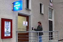 Hostomický bankomat slouží nově místním i zájemcům