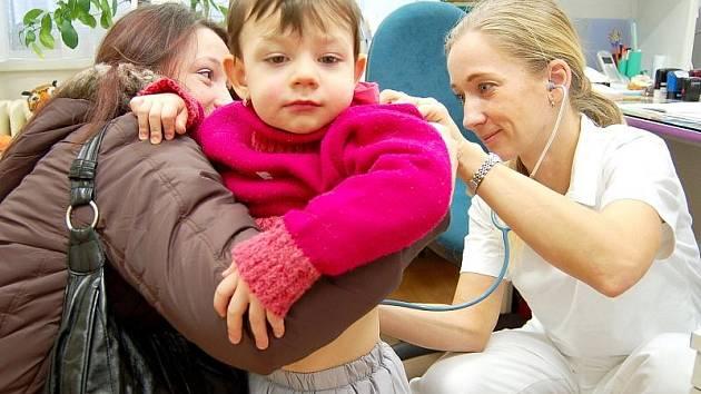 Chřipka nejvíce trápí děti.