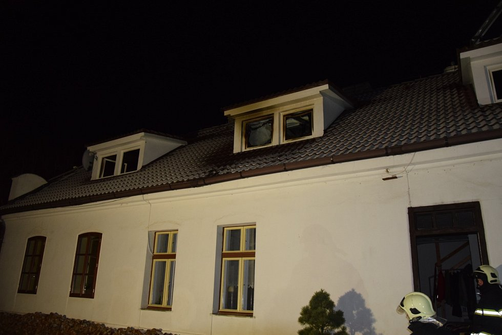 Při požáru rodinného domu vznikla škoda za milion korun.