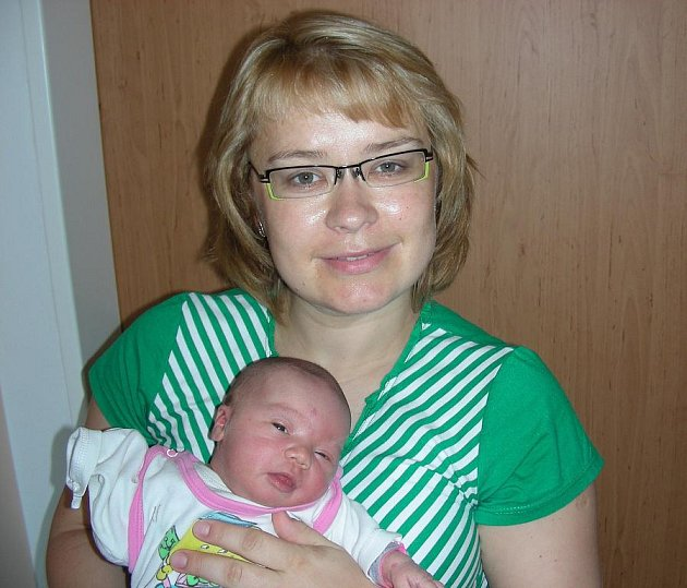 Amálie Havlínová, prvorozené dítko Gabriely Drábové a Zdeňka Havlína se narodila v sobotu 28. května 7 minut po 9. hodině. Amálka vážila po příchodu na svět 3,42 kg a měřila 48 cm. Domov má šťastná rodinka v Králově Dvoře.