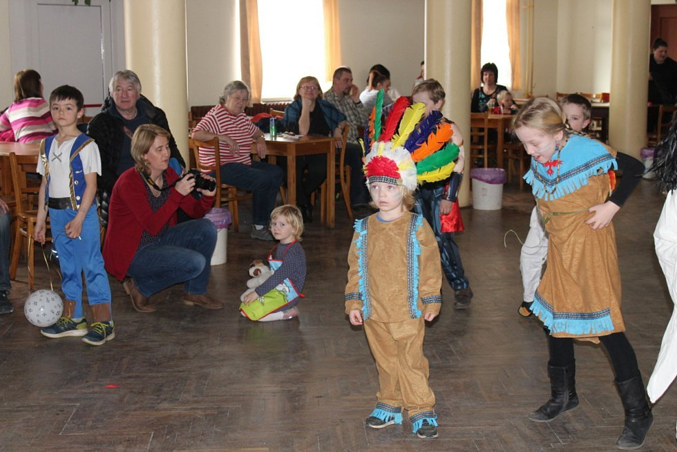 Spousta legrace, zábavy a různých soutěží provázely v sobotu dětský karneval v obci Tetín.