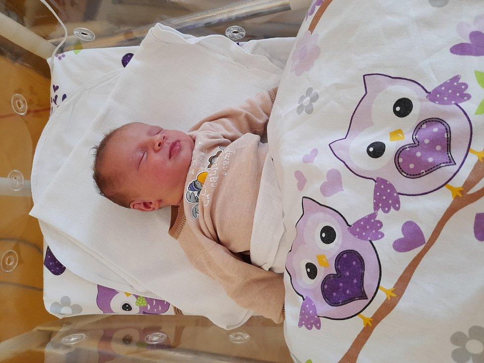 Laura Horáková přišla na svět 24. července 2021 ve 21.27 hodin v čáslavské porodnici. Vážila 3590 gramů a měřila 51 centimetrů. Doma v Bučině se z ní těší maminka Adéla, tatínek Jan a tříletý bráška Oliver.