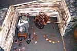 Rekonstrukce želkovické mohyly ve Všeradickém muzeu pravěku