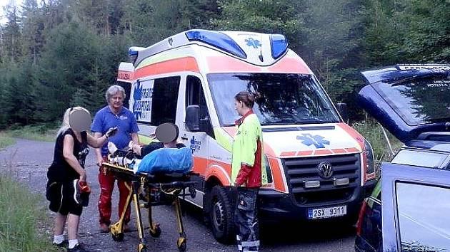 Muž se zranil při sběhu hub v Brdech