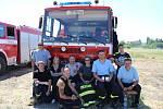 Dobrovolní hasiči z berounského regionu si na poli v Chyňavě vyzkoušeli koordinaci práce při zásahu v součinnosti s vrtulníkem.